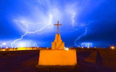 Lightning, Bioluminesence, Northern Lights and Lava Field Lightbulbs